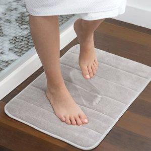 Cortinas, alfombras y toalleros
