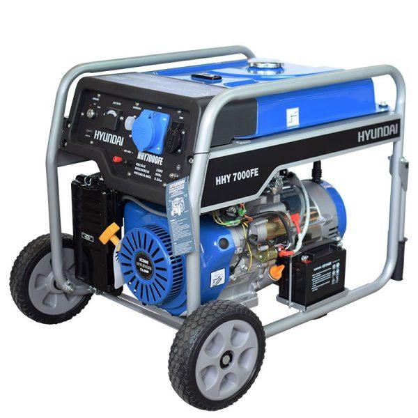 Hyundai HHY7000FEK Single Phase Gasoline Electric Generator