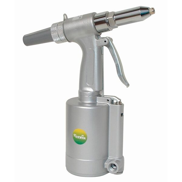 Remachadora neumática Cevik NE-KN6615K